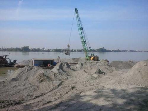 Hiện chủ đầu tư đã đề nghị tạm dừng thi công dự án lấn sông Đồng Nai