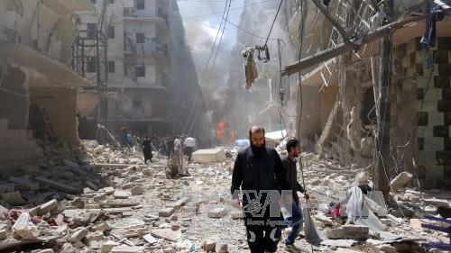 Cảnh đổ nát trong xung đột ở Aleppo ngày 28/4. Ảnh: EPA/TTXVN