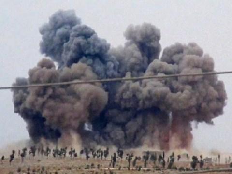 Khói bốc lên sau cuộc không kích ở tỉnh Idlib, Syria hồi đầu tháng 10/2016