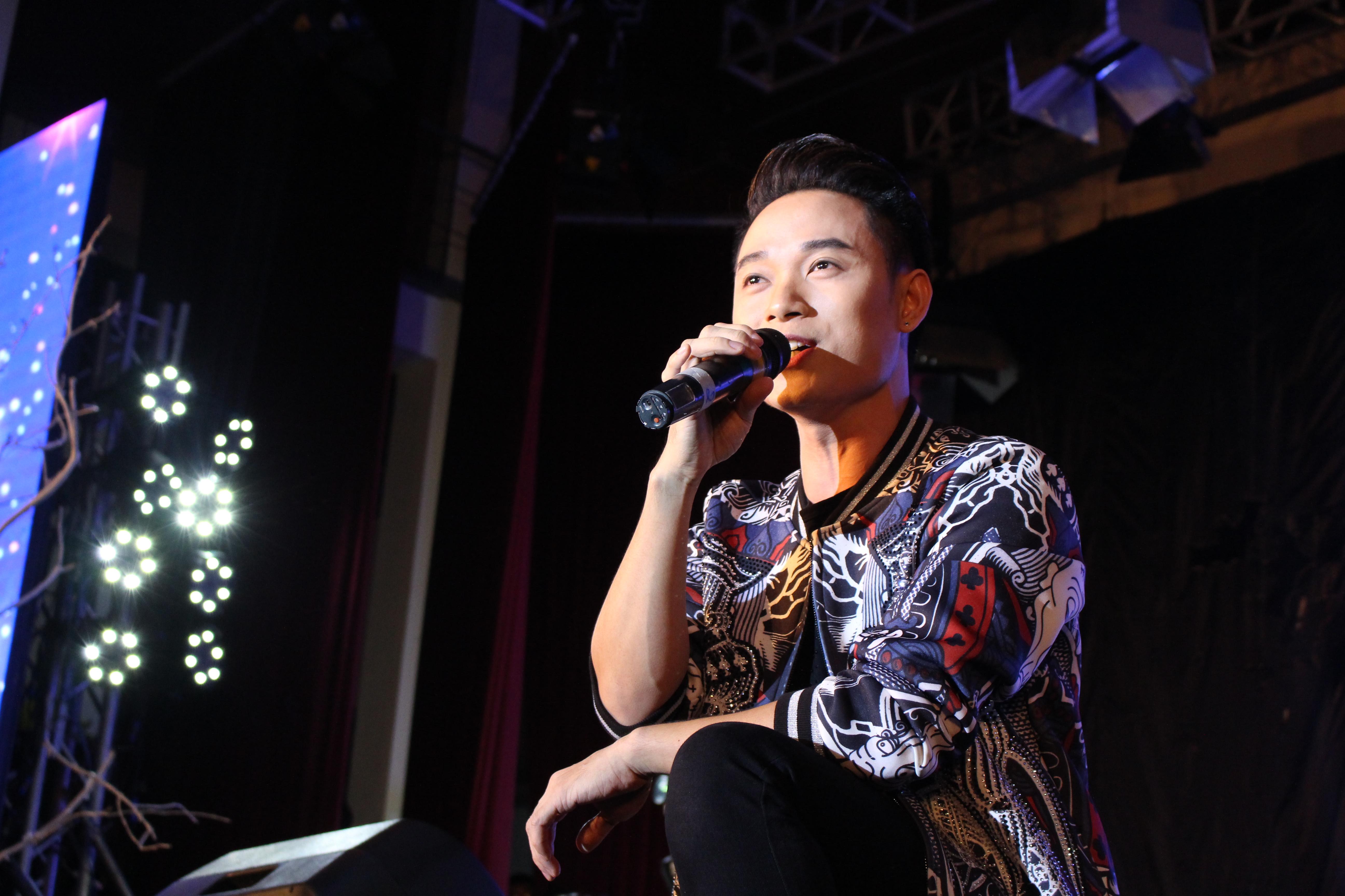 Khách mời của chương trình là nam ca sỹ Trúc Nhân. Nam ca sỹ đã tạo nên một bầu không khí vô cùng náo nhiệt khi hát liền 5 bản hit của mình.