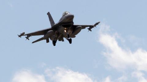 Chiến sự Syria: Máy bay chiến đấu F-16 của Thổ Nhĩ Kỳ tham gia không kích ở Syria.