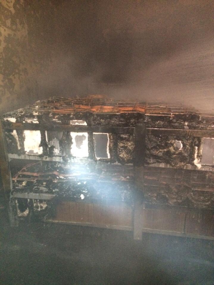 Vụ cháy đã thiêu rụi một nhà xưởng của nhà máy Nhiệt điện Cẩm Phả. Ảnh: Báo Quảng Ninh