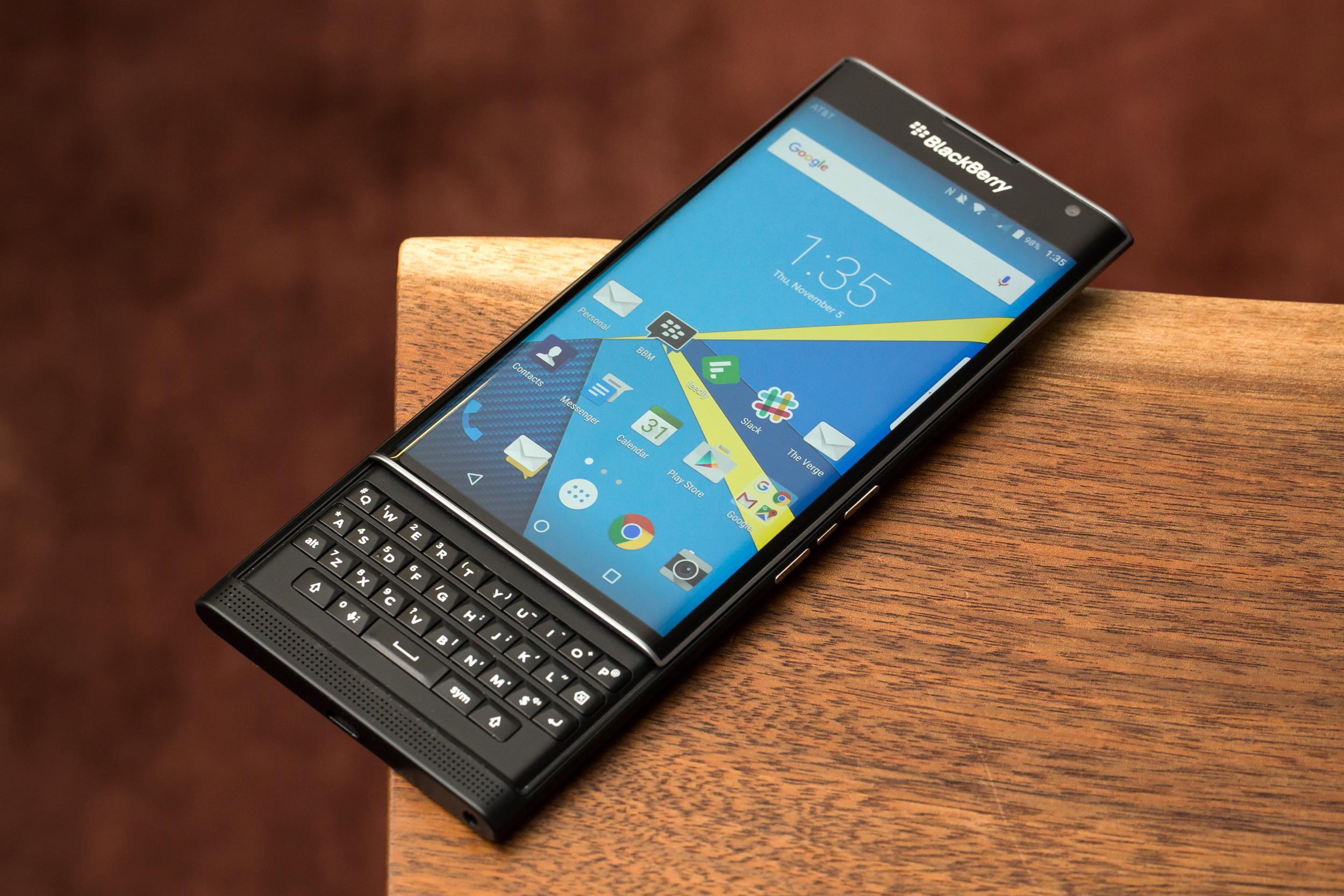 Các sản phẩm của BlackBerry đồng loạt giảm giá nhân ngày Black Friday