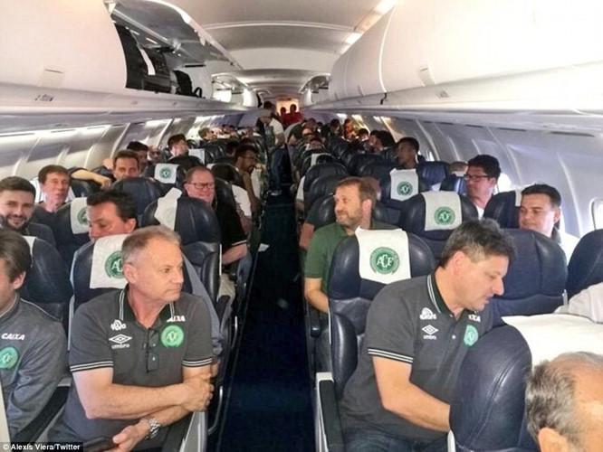 Các cầu thủ của câu lạc bộ Chapecoense khi máy bay chuẩn bị cất cánh