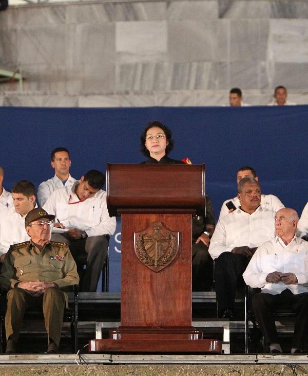 Chủ tịch Quốc hội Nguyễn Thị Kim Ngân dự Lễ mít tinh tưởng niệm Lãnh tụ Cuba Fidel Castro Ruz