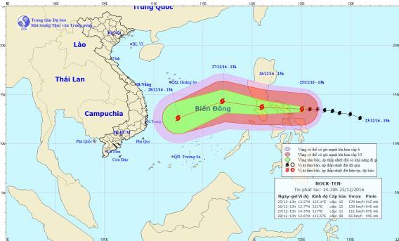 Vị trí và hướng đi của cơn bão Nock-ten đang tiến vào biển Đông. Ảnh: TTKTTVTW