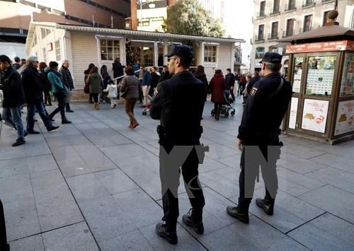 Thêm nhiều nghi can khủng bố IS bị bắt giữ ở Tây Ban Nha và Hungary. Ảnh: TTXVN