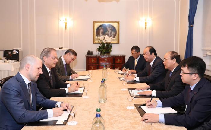 Thủ tướng tiếp Chủ tịch Viện Nghiên cứu Malik, Thụy Sỹ. Ảnh: TTXVN