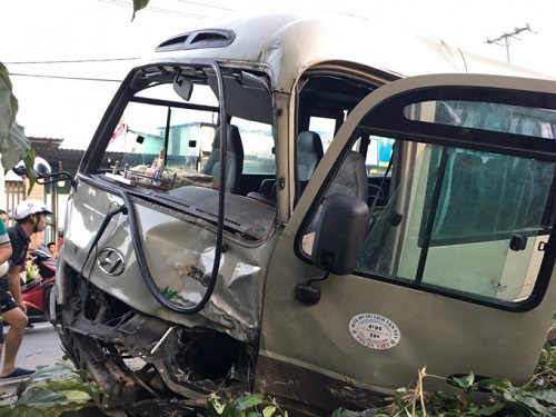 tai nạn giao thông nghiêm trọng, 4 người tử vong, 1 người nguy kịch
