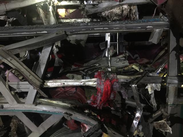 Hiện trường vụ nổ xe khách ở Bắc Ninh. Ảnh: Dân trí