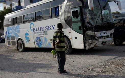 Chiếc xe buýt gây tai nạn kinh hoàng khiến 38 người thiệt mạng. Ảnh: Reuters.