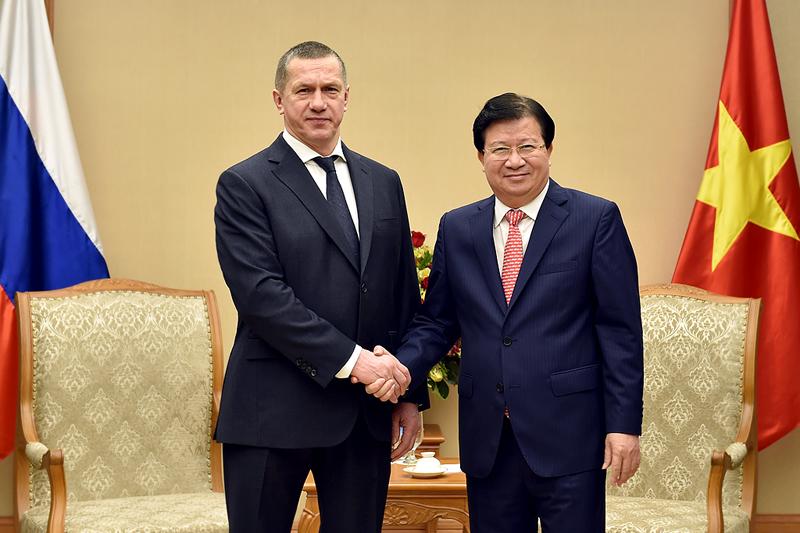 Phó Thủ tướng Trịnh Đình Dũng và Phó Thủ tướng Liên bang Nga Yuri Petrovich Trutnev. Ảnh: VGP
