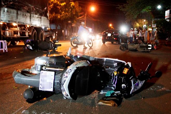 Hiện trường vụ tai nạn giao thông kinh hoàng xảy ra tại TP. Buôn Ma Thuột. Ảnh: Zing.vn