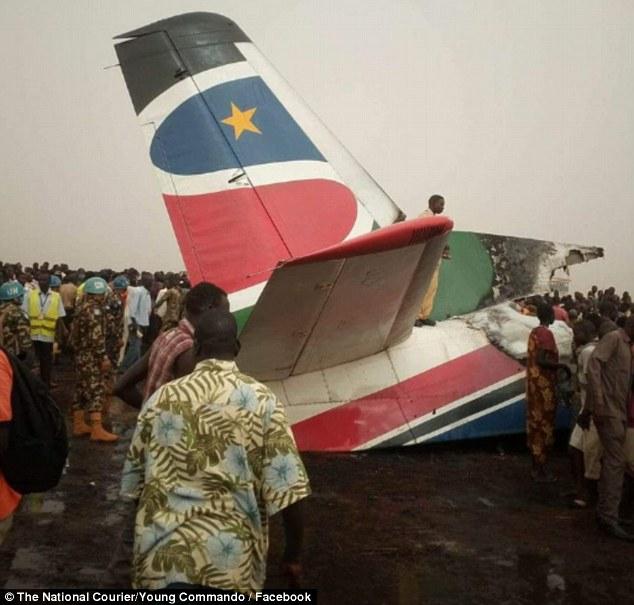 Đại diện hãng hàng không South Supreme Airlines cho biết, tất cả hành khách đã được sơ tán an toàn trước khi máy bay bốc cháy và phát nổ.