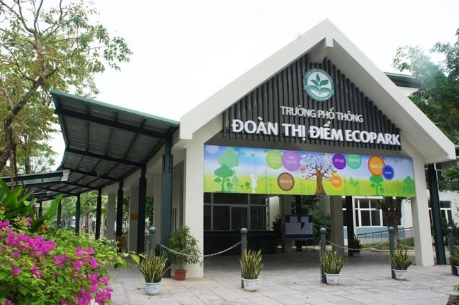 Trường Đoàn Thị Điểm Ecopark quyết định không thu phí giữ chỗ. Ảnh: Lao Động