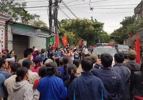 Đoàn xe của Chủ tịch Chung về tới xã Đồng Tâm