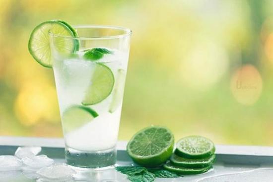 Giải rượu nhanh chóng bằng nước chanh chống đau dạ dày