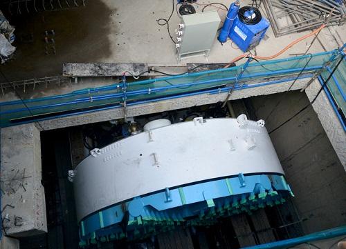 Cận cảnh Robot TBM - 'quái vật' sắp xuyên lòng đất khoan hầm metro ở TP. HCM