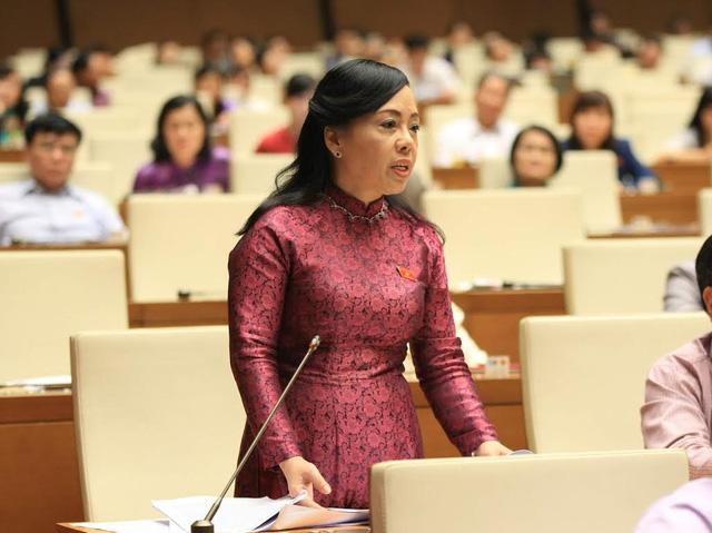 Bộ trưởng Bộ Y tế Nguyễn Thị Kim Tiến trả lời chất vấn quốc hội. Ảnh: VGP