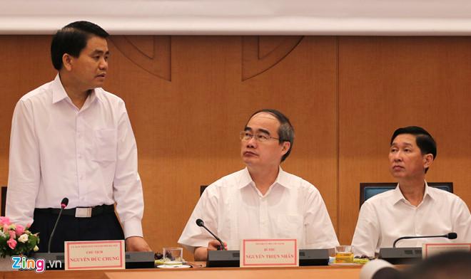 Lãnh đạo Hà Nội và TP.HCM tại buổi chia sẻ kinh nghiệm. Ảnh: Quang Anh