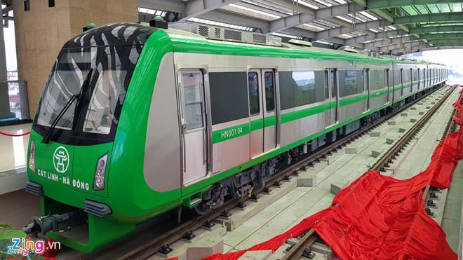 Tàu điện đường sắt trên cao tuyến Cát Linh - Hà Đông (Hà Nội) do Trung Quốc chế tạo. Ảnh: Quỳnh Trang.