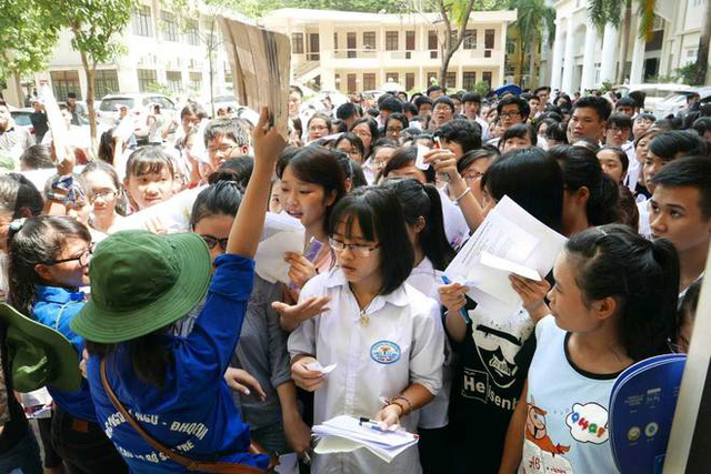 Nhiều trường đã công bố điểm nhận hồ sơ xét tuyển đại học đợt 1. Ảnh: Dân trí