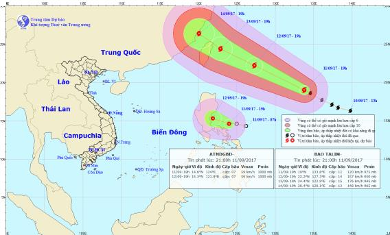 Siêu bão Talim kéo theo áp thấp nhiệt đới vào biển Đông. Ảnh: TTKTTVTW
