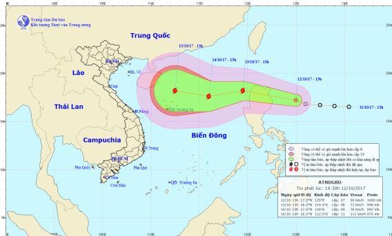 Vị trí và hướng di chuyển của cơn bão số 11. Ảnh: TTDBKTTVTW