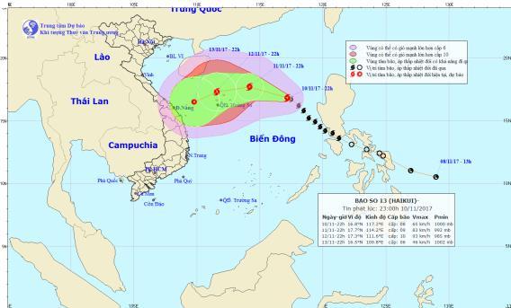 Vị trí và hướng đi của cơn bão số 13 trên biển Đông. Ảnh: TTDBKTTVTW