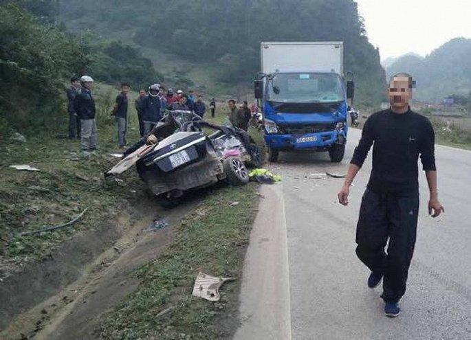 Hiện trường vụ tai nạn thảm khốc 4 người tử vong ở Sơn La. Ảnh: VTC News