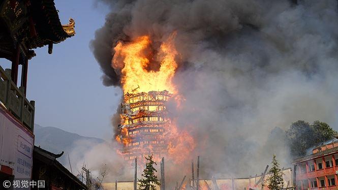 Tổng diện tích bị cháy tới 800m2. Ảnh: Trung Hoa Nhật báo