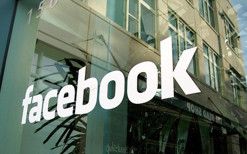 Mạng xã hội Facebook hiện đang chiếm 12% trong tổng doanh thu 186,81 tỷ USD của ngành quảng cáo số toàn cầu. Ảnh: CNBC