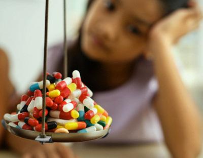 Không nên lạm dụng thuốc Tây để chữa bệnh cảm cúm.