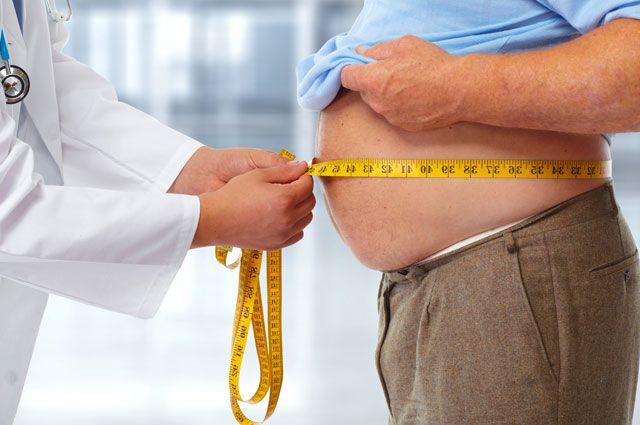 Mỡ ở vùng bụng khiến người già dễ mắc bệnh đục thủy tinh thể hơn. Ảnh minh họa