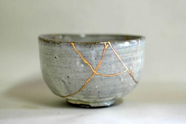 Lý do nghệ thuật vá đồ gốm sứ bị vỡ bằng vàng của Nhật khiến cả thế giới trầm trồ - ảnh 10