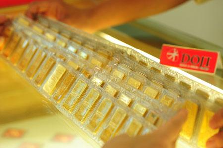 Chênh lệch giữa giá vàng trong nước và giá vàng thế giới hôm nay ở khoảng trên dưới 500.000 đồng/lượng