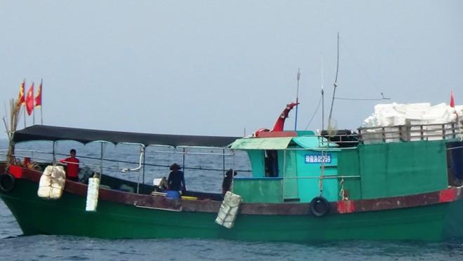 Tàu cá Trung Quốc thường xuyên có hành vi đánh bắt trái phép trên Biển Đông