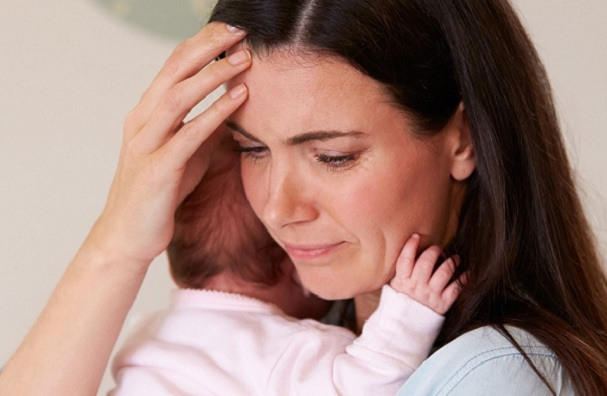 Phụ nữ mắc trầm cảm sau sinh dễ có hành vi tự tử. Ảnh minh họa