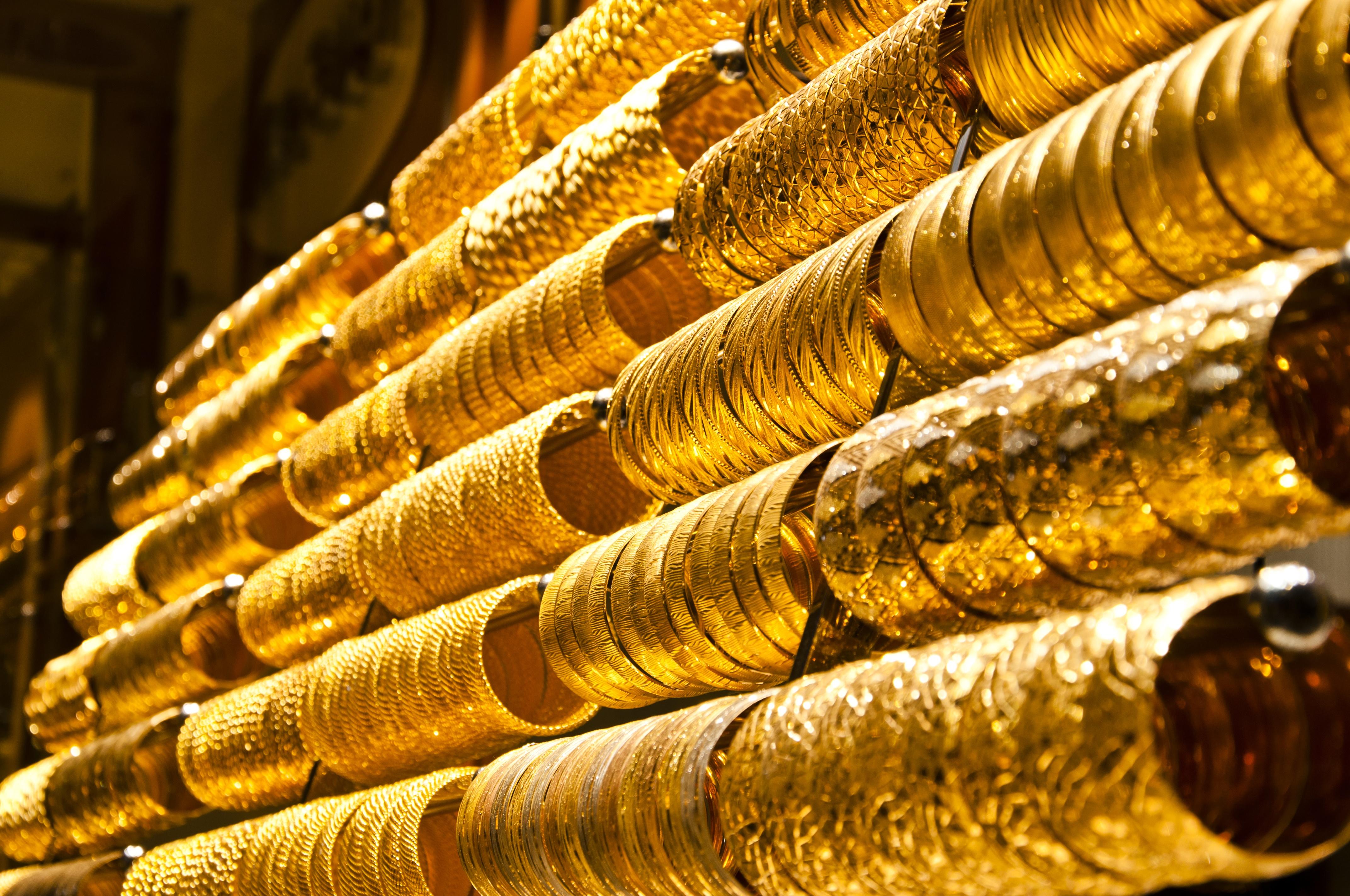 Giá vàng hôm nay ngày 1/11/2015 bất ngờ tăng nhẹ 10.000 đồng/lượng tại thị trường vàng trong nước