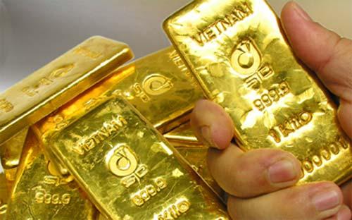 Giá vàng trong nước hôm nay đang đắt hơn giá vàng thế giới khoảng 3,2 – 3,3 triệu đồng/lượng