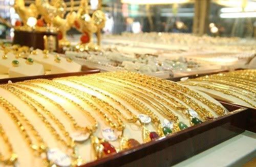 Hiện khoảng chênh lệch giữa giá vàng thế giới và giá vàng trong nước đang rất cao, ở mức 4,15 triệu đồng/lượng
