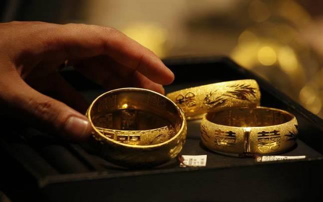 giá vàng hôm nay ngày 21/3/2016 giảm nhẹ và ngày càng rời xa mốc 34 triệu đồng/lượng tại thị trường vàng trong nước