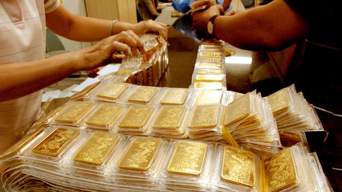 Hiện chênh lệch giữa giá vàng trong nước và giá vàng thế giới hôm nay đang duy trì ở mức 3,7 triệu đồng/lượng