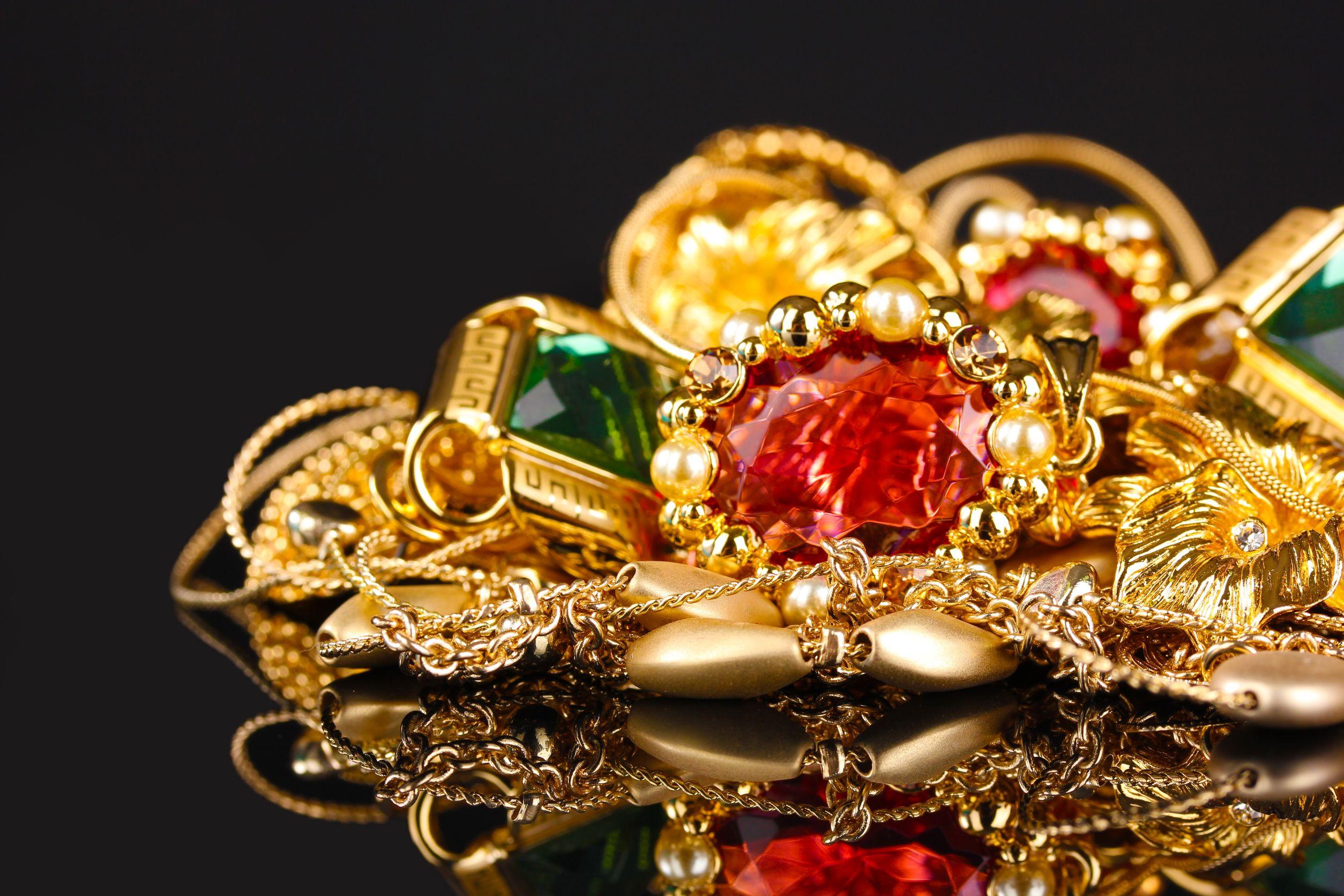 Giá vàng hôm nay ngày 24/2/2016 tại thị trường trong nước không thể bắt kịp đà tăng của giá vàng thế giới