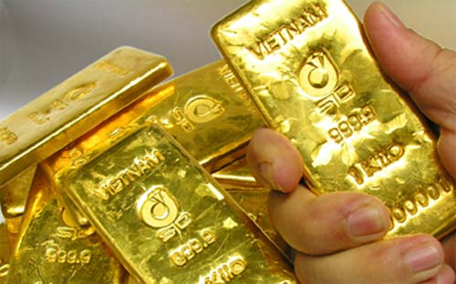 giá vàng trong nước mất gần 500.000 đồng/lượng trong khi giá vàng thế giới mất hơn 1 triệu đồng/lượng trong tuần