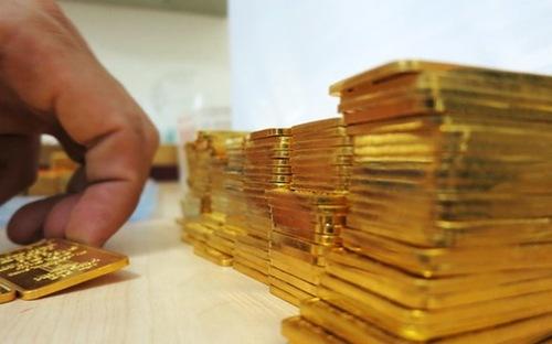 giá vàng trong nước hiện đang theo khá sát diễn biến của giá vàng thế giới