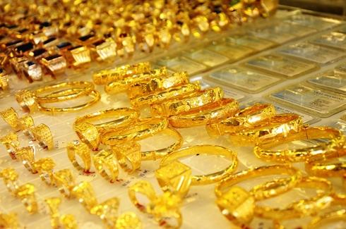 giá vàng trong nước hôm nay đang ở mức đáy 2 tháng do ảnh hưởng từ đà giảm của giá vàng thế giới
