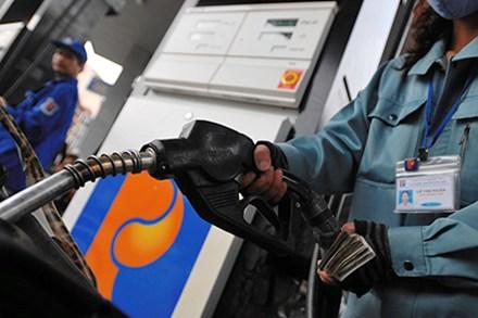 Các chuyên gia đánh giá giá xăng dầu sắp ngừng giảm thậm chí đã ngừng giảm rồi