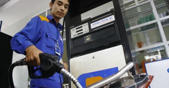 Mức giảm của giá xăng hôm nay được dự đoán dựa trên việc bỏ xả quỹ bình ổn