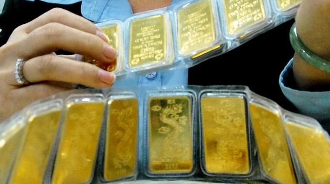 giá vàng tăng giảm bất thường